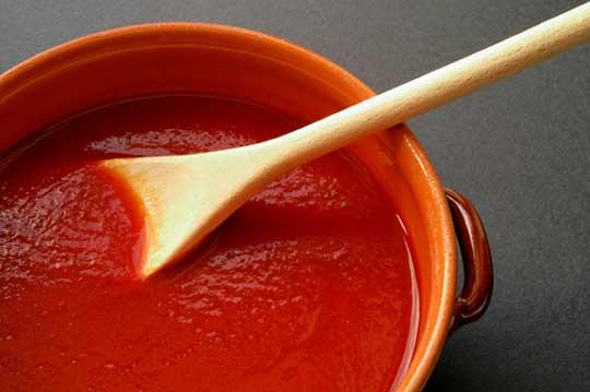 Cold tomato sauce