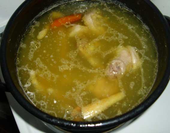 Domestic sunday chicken soup (Domaća nedeljna pileća supa)
