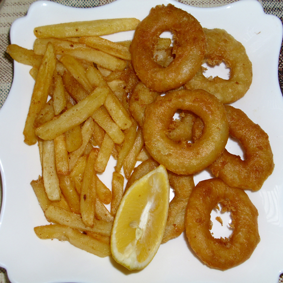 Fried squid rings (Prženi kolutovi lignji)