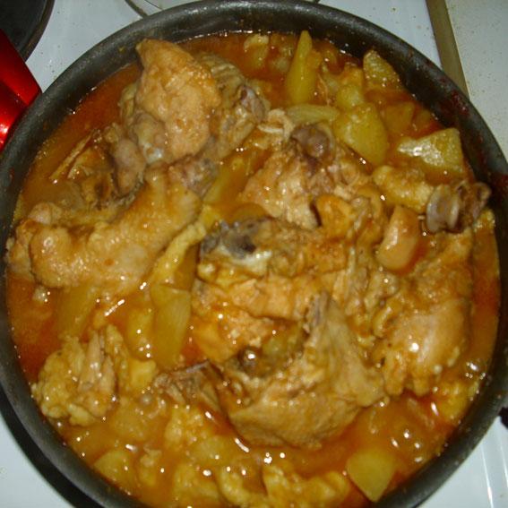 Serbian domestic chicken stew (Srpski domaći pileći paprikaš)