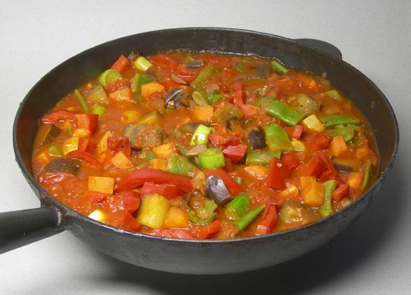 Serbian casserole (đuveč)