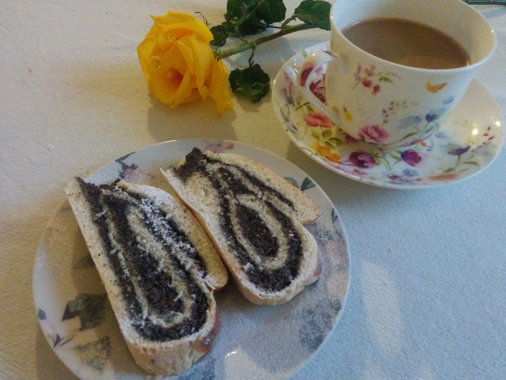 Vegan Poppy Seed Roll